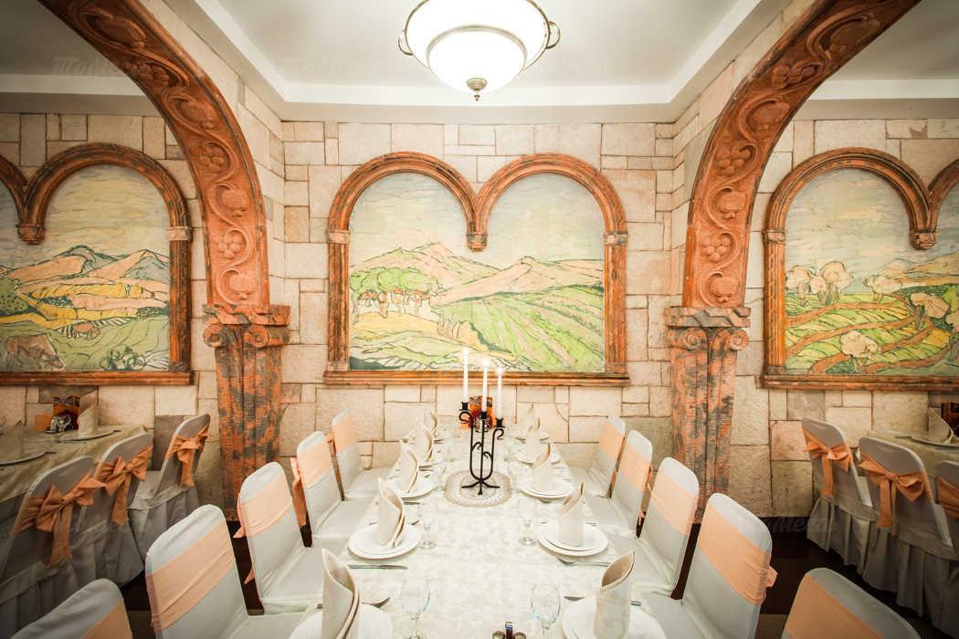 Банкетный зал ресторана Амроц на Невском проспекте фото 8