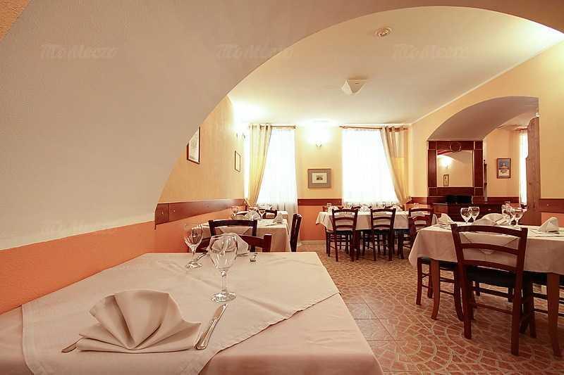 Банкетный зал ресторана Da Albertone на Миллионной улице фото 6