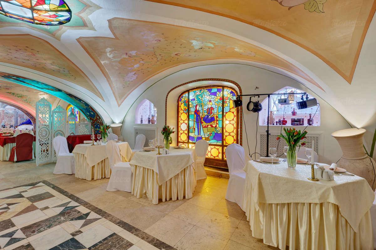 Ресторан 1001 ночь на Миллионной улице