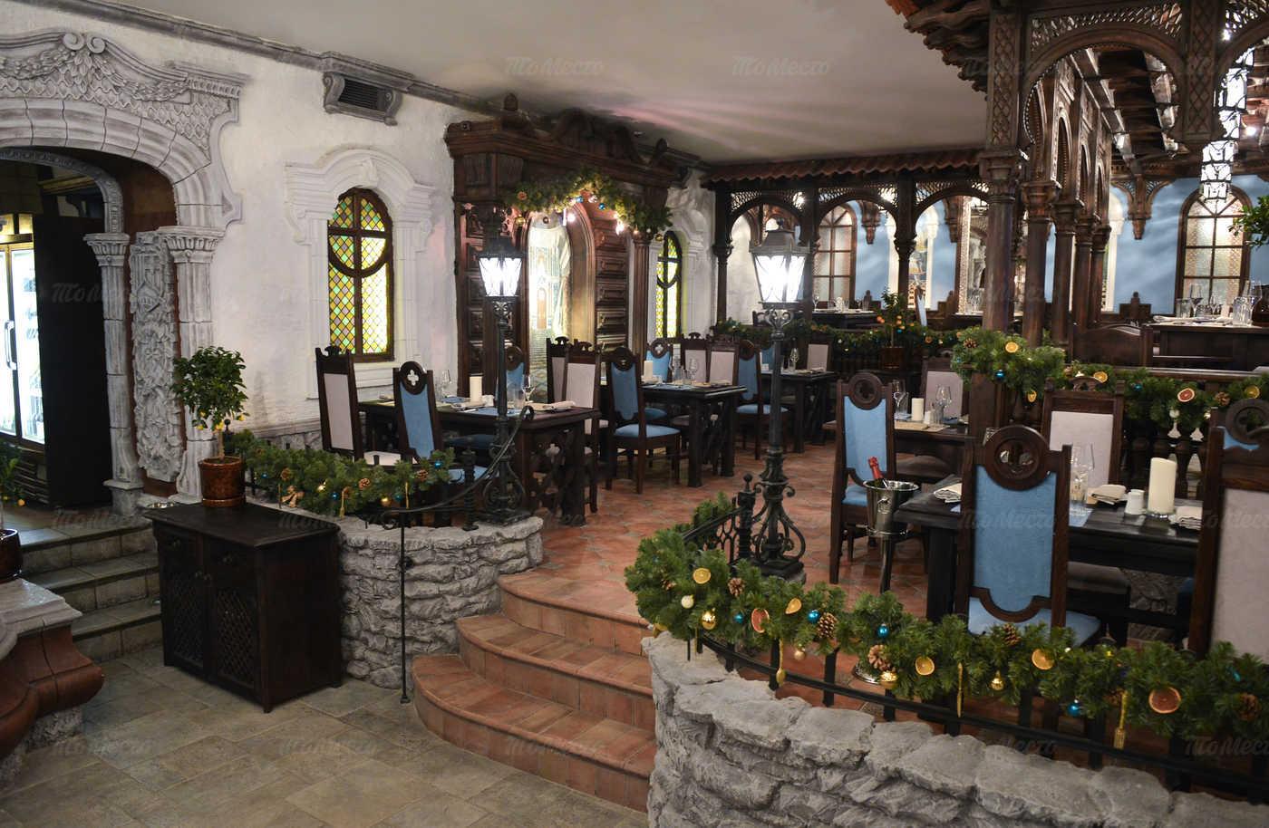 Ресторан Мадридский двор на Суворовском проспекте фото 6