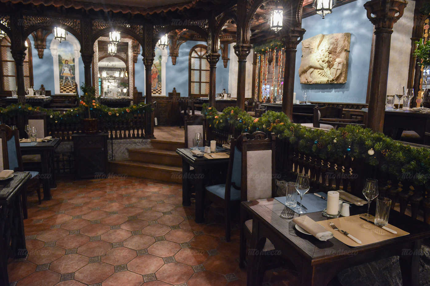 Ресторан Мадридский двор на Суворовском проспекте фото 2