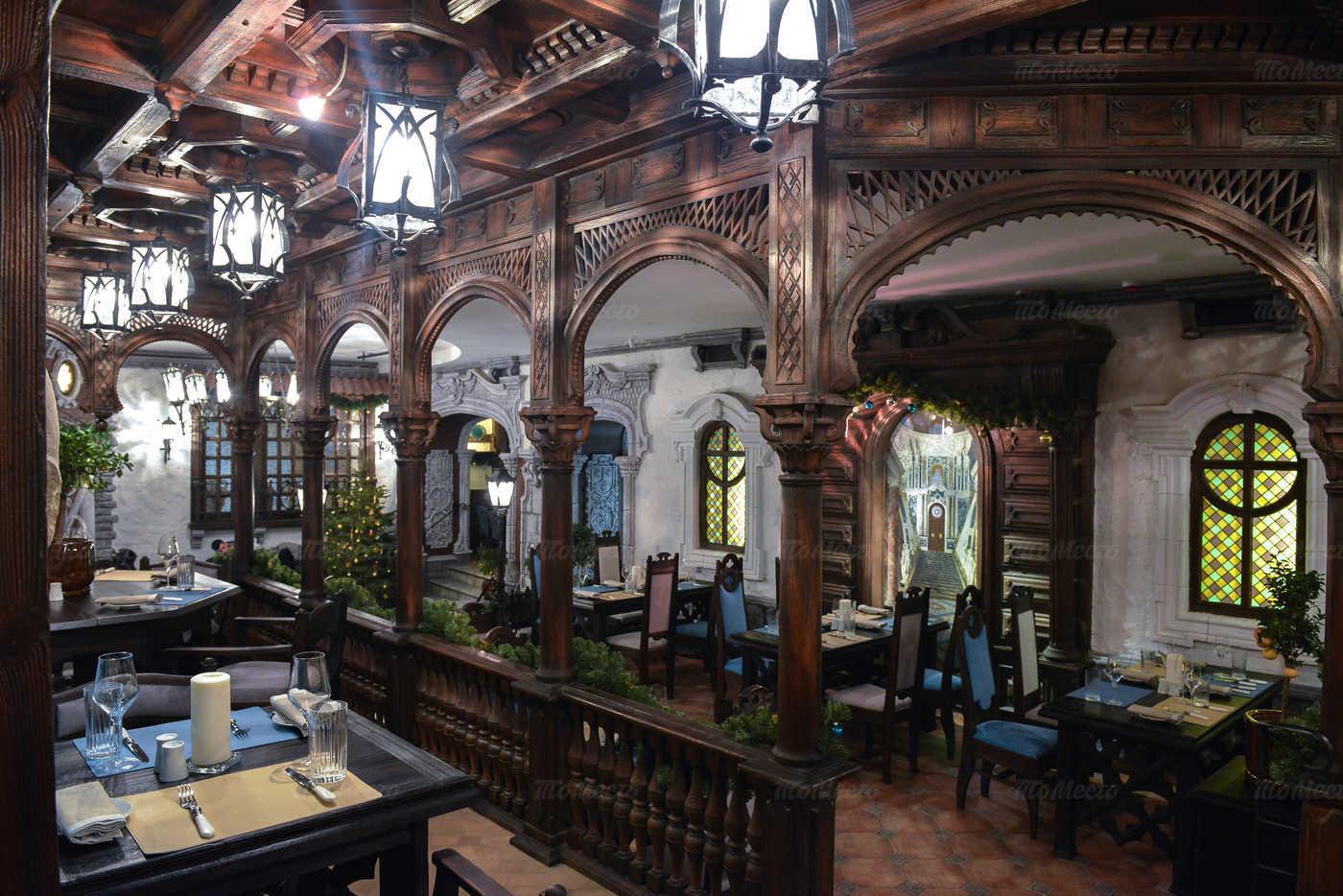 Ресторан Мадридский двор на Суворовском проспекте
