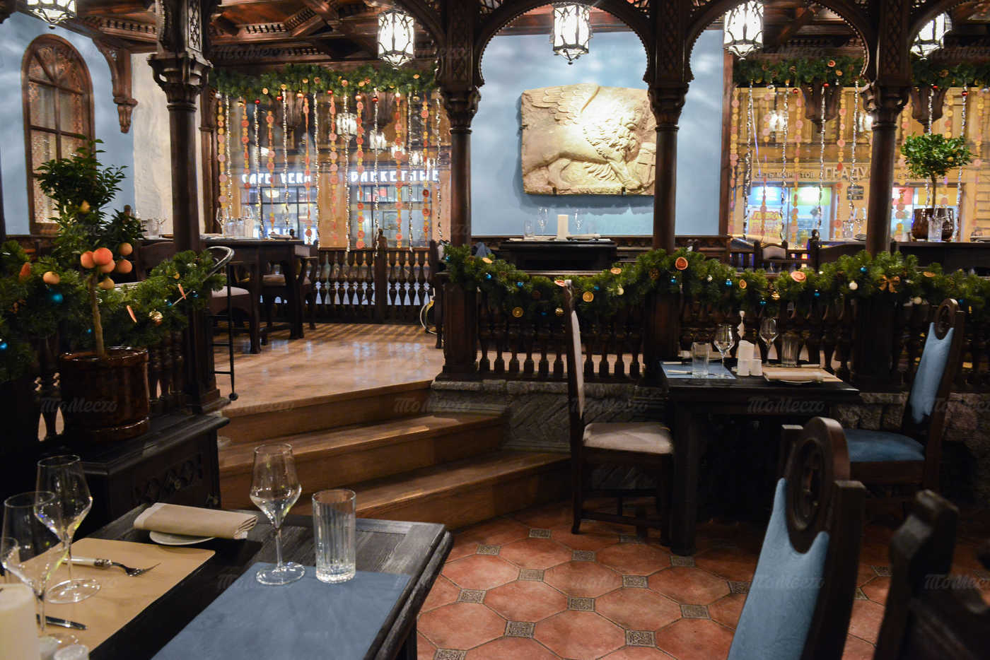 Ресторан Мадридский двор на Суворовском проспекте фото 4