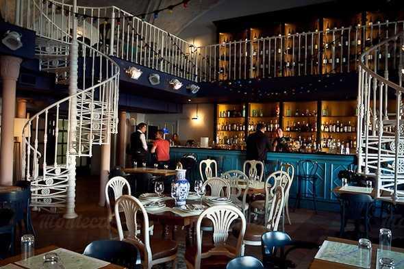 Бар, ресторан Любимое место 22.13 (22.13) на Конюшенной площади фото 2