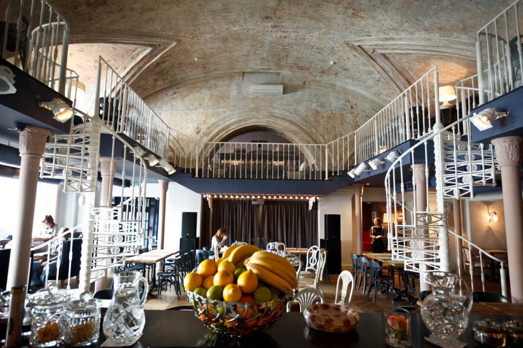 Бар, ресторан Любимое место 22.13 (22.13) на Конюшенной площади фото 4