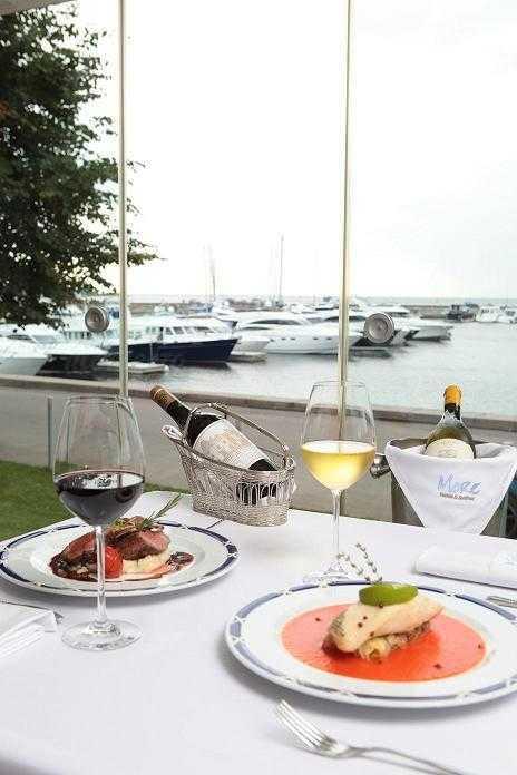 Банкетный зал ресторана More. Yachts & Seafood в Петровской косе фото 5