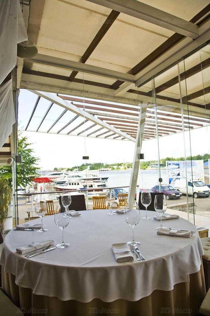 Банкетный зал ресторана More. Yachts & Seafood в Петровской косе фото 7