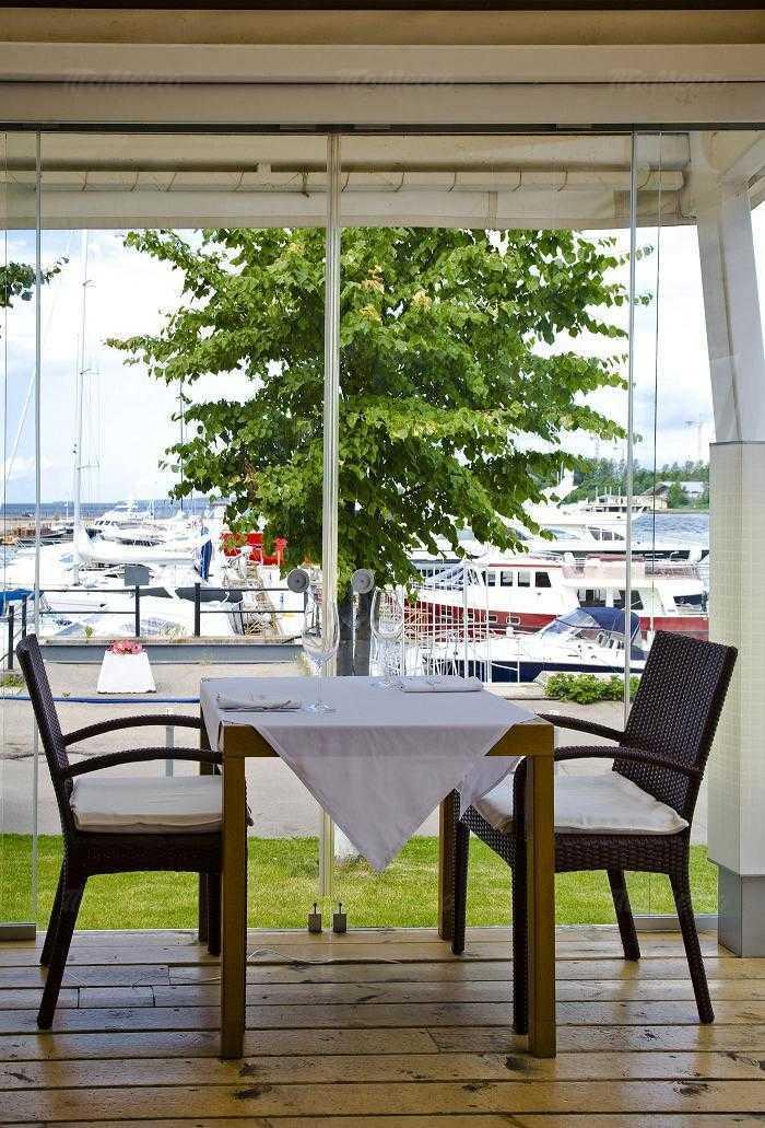 Банкетный зал ресторана More. Yachts & Seafood в Петровской косе фото 8