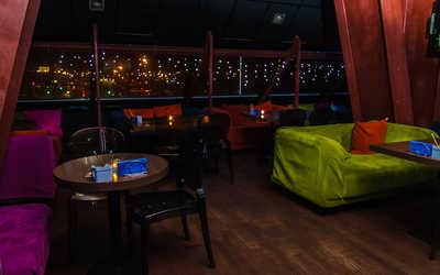 Банкетный зал бара, караоке клуба Фанера (Фanera) на проспекте Испытателей