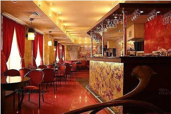 Кафе, ночной клуб Дали кафе (Dali Cafe) в Спасском переулке