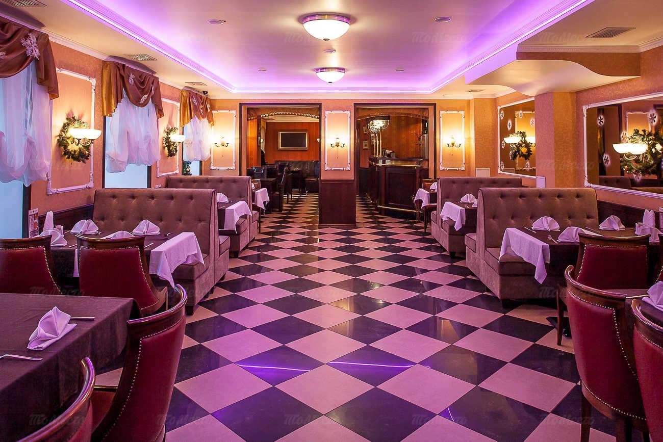 Ресторан Астерия (Asteria) на набережной реки Фонтанки