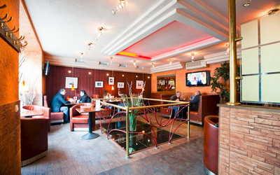 Банкетный зал бара, кафе, ночного клуба Пьер на улице Белинского фото 1