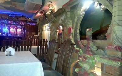 Банкетный зал кафе, ресторана АнИ (AnI) на Софийской улице