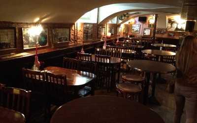 Банкетный зал бара, ночного клуба, ресторана Ливерпуль (Liverpool) на улице Маяковского