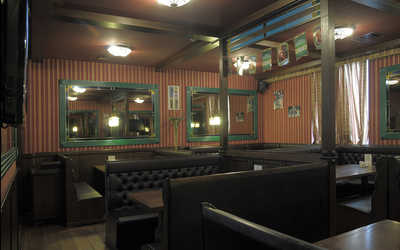Банкетный зал паба, пивного ресторана БИРРБУРГ (BIRRBURG) на Ленинском проспекте
