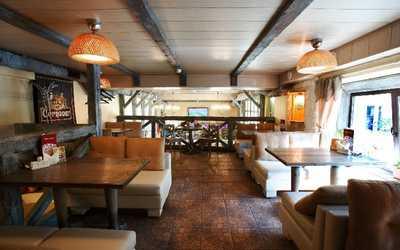 Банкетный зал бара, ресторана Барлей (Barley) на проспекте Непокорённых