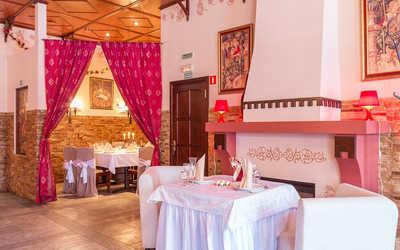 Банкетный зал бара, пивного ресторана Вацлав Замок на Дибуновской улице