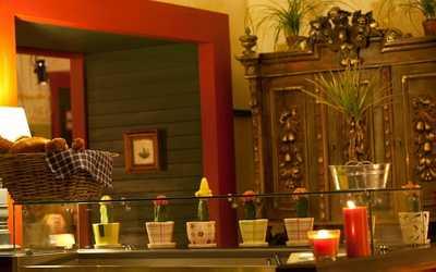 Банкетный зал кафе, ресторана Гости на Малой Морской улице