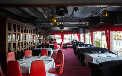 Банкетный зал караоке клуба, ресторана ДоЗари (DoZari) на проспекте Добролюбова