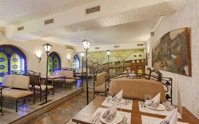 Банкетный зал бара, кафе, ресторана Пиросмани (Pirosmani) на Большом проспекте П.С.