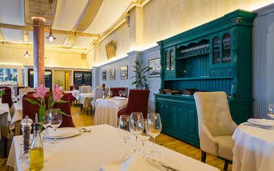 Банкетный зал ресторана Porto Maltese на Большом проспекте Васильевского острова фото 1