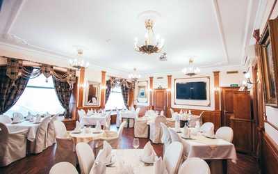 Банкетный зал паба, пивного ресторана Porter House (Портер Хаус) на улице Воскова
