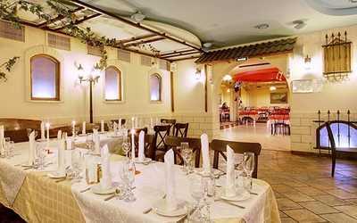 Банкетный зал кафе, ресторана Красное колесо в 2-м Муринском пр-кт фото 1