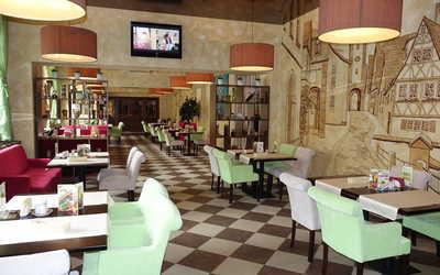 """Банкетный зал ресторана Ресторанный комплекс """"ALMOND"""" (бывш. Полюстрово) на проспекте Металлистов"""