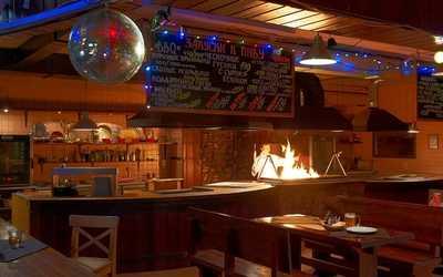 Банкетный зал ночного клуба, пивного ресторана Шхера на Пражской улице