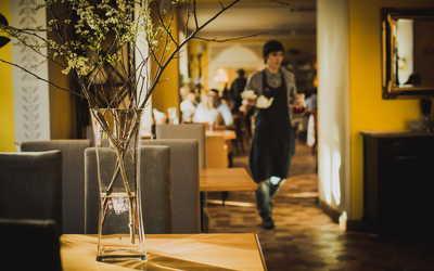 Банкетный зал ресторана Моццарелла бар (Mozzarella bar) на Малом проспекте П.С.