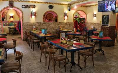 Банкетный зал ресторана Трес Амигос (Tres Amigos) на улице Рубинштейна фото 2