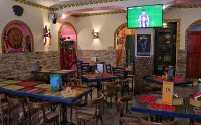 Банкетный зал ресторана Трес Амигос (Tres Amigos) на улице Рубинштейна фото 3