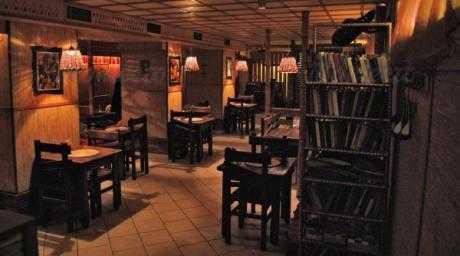 Кафе Хижина Ча на Большой Конюшенной улице