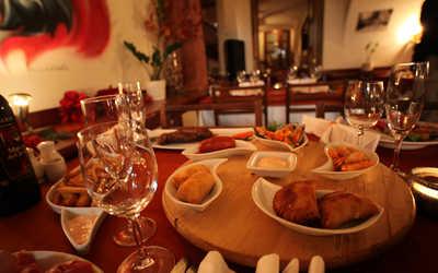 Банкетный зал бара, ресторана Дон Пепе (Don Pepe) на Малой Садовой улице фото 1