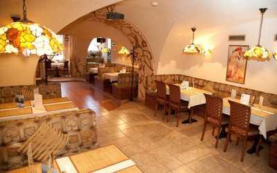 Банкетный зал кафе Грот на набережной реки Фонтанки фото 1