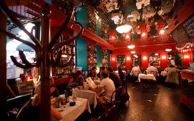 Банкетный зал кафе Жан-Жак Руссо на Гатчинской