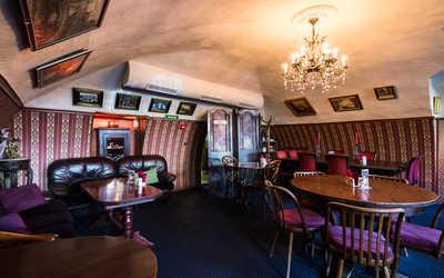 Банкетный зал ресторана Идиот на набережной реки Мойки фото 2