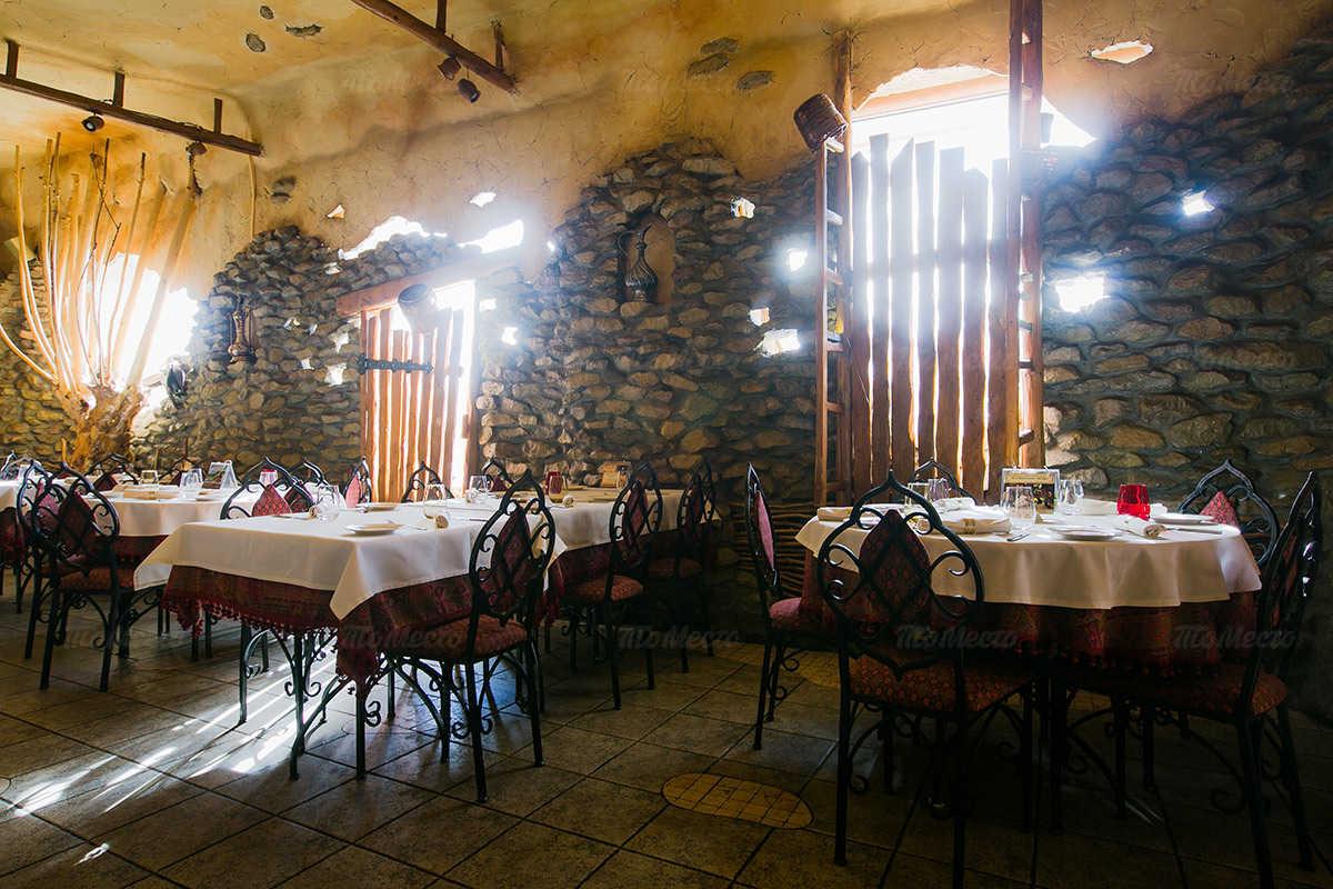 Меню ресторана Караван на набережной реки Фонтанки