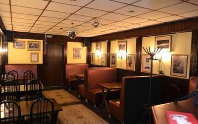 Банкетный зал бара Jefferson (Джефферсон) на Сердобольской улице