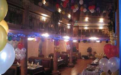 Банкетный зал кафе Кон-Коронель (Con-Coronel) на улице Шкапина