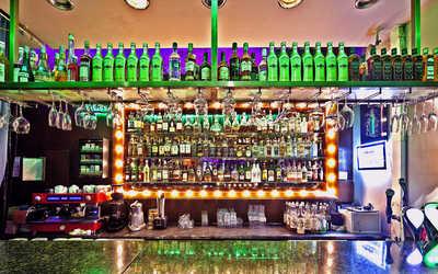 Банкетный зал бара, кафе Cafe People (Кафе Пипл) на Итальянской улице фото 3