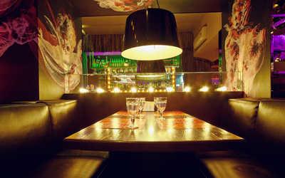 Банкетный зал бара, кафе Cafe People (Кафе Пипл) на Итальянской улице фото 1