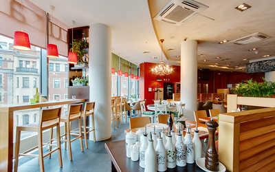 Банкетный зал ресторана Italy на Большом на Большом проспекте П.С. фото 2