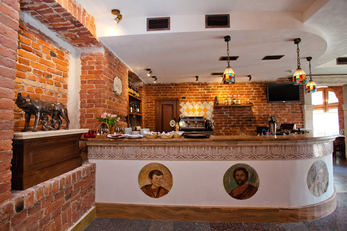 Ресторан Мама Рома (Mama Roma) на Невском проспекте