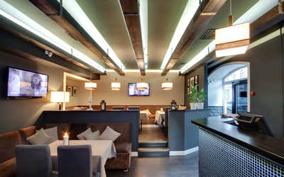 Банкетный зал караоке клуба, кафе Велюр (Velour cafe) на Гончарной улице
