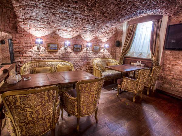 Романов Бар и Гриль (Romanoff Bar & Grill)