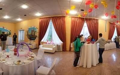 Банкетный зал ресторана Коломяжские сады на Чистяковской улице фото 2