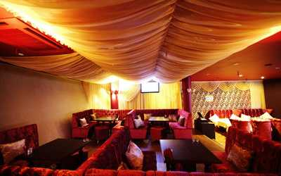 Банкетный зал караоке клуб SNOB (Cноб) на проспекте Испытателей фото 2