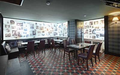 Банкетный зал ресторана, стейк-хауса Bullhouse (Буллхаус) на улице Савушкиной