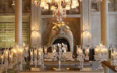 Банкетный зал ресторана Cristal Room Baccarat на Никольской улице